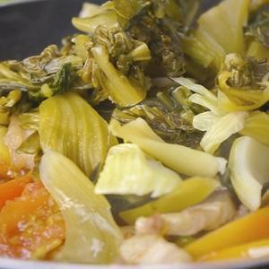 Công thức đặc biệt ngon cho món cá chép om dưa ngày mát trời-3