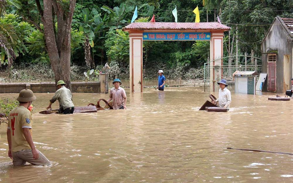 Nghệ An: Lũ chồng lũ, nhiều nơi vẫn ngập trong biển nước-1