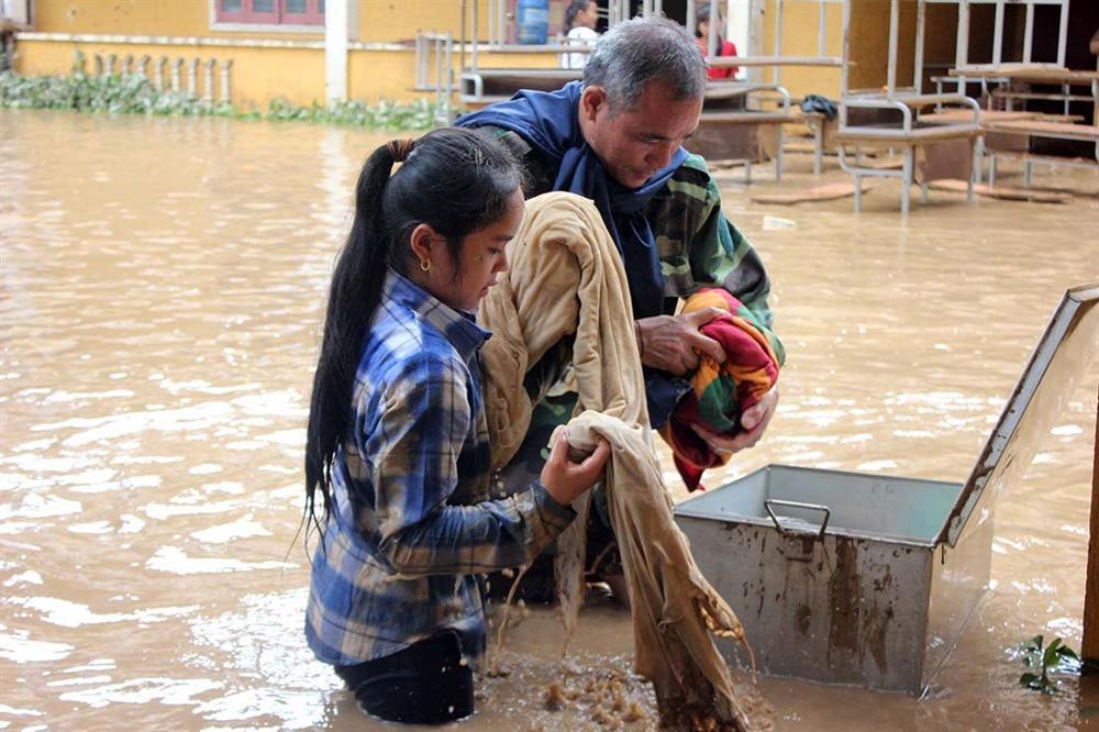 Nghệ An: Lũ chồng lũ, nhiều nơi vẫn ngập trong biển nước-6