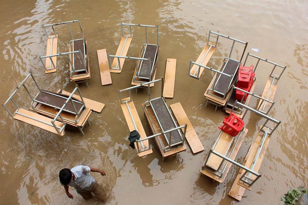 Nghệ An: Lũ chồng lũ, nhiều nơi vẫn ngập trong biển nước-7