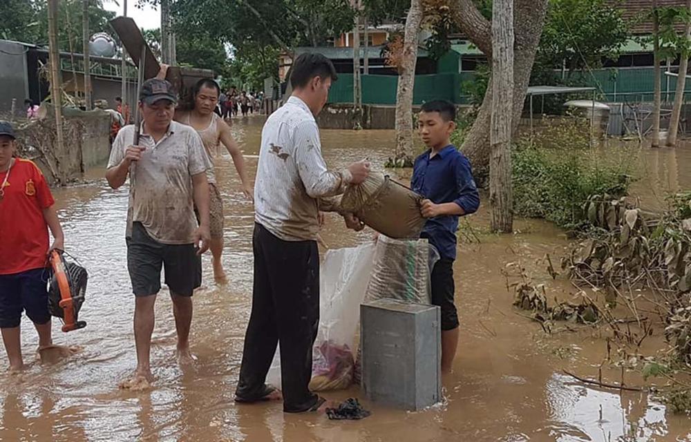 Nghệ An: Lũ chồng lũ, nhiều nơi vẫn ngập trong biển nước-9