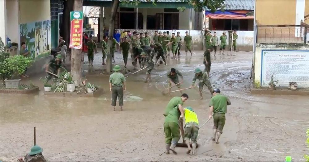Nghệ An: Lũ chồng lũ, nhiều nơi vẫn ngập trong biển nước-12