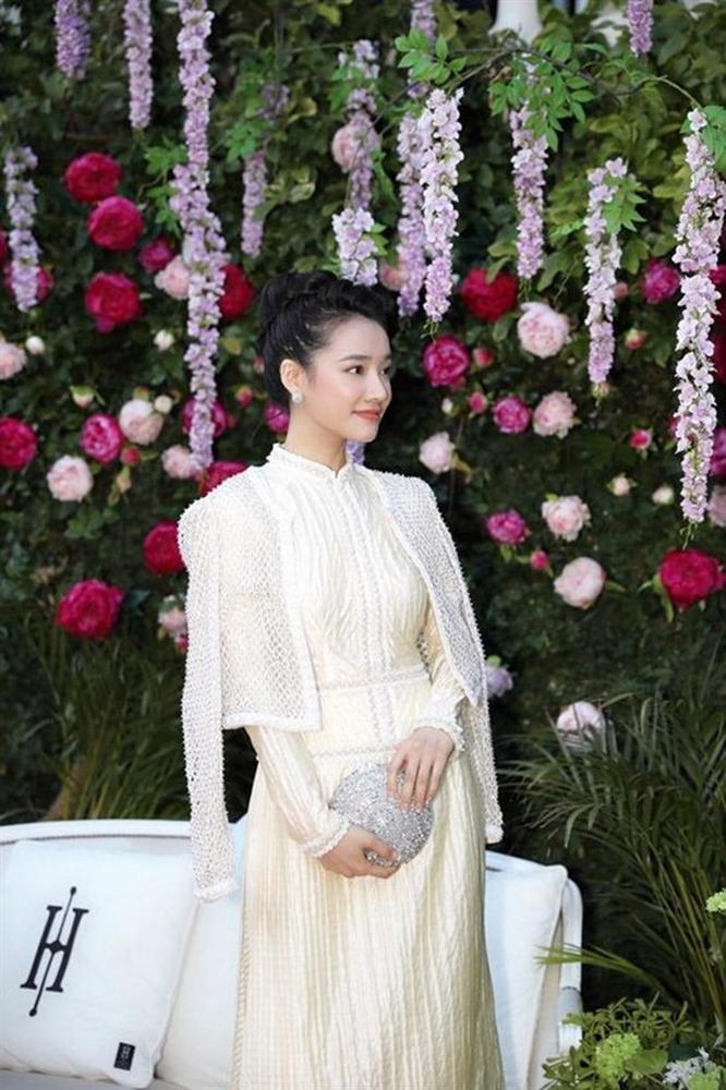 Lộ ảnh Nhã Phương thử áo cưới, chuẩn bị cùng Trường Giang về chung nhà?-4