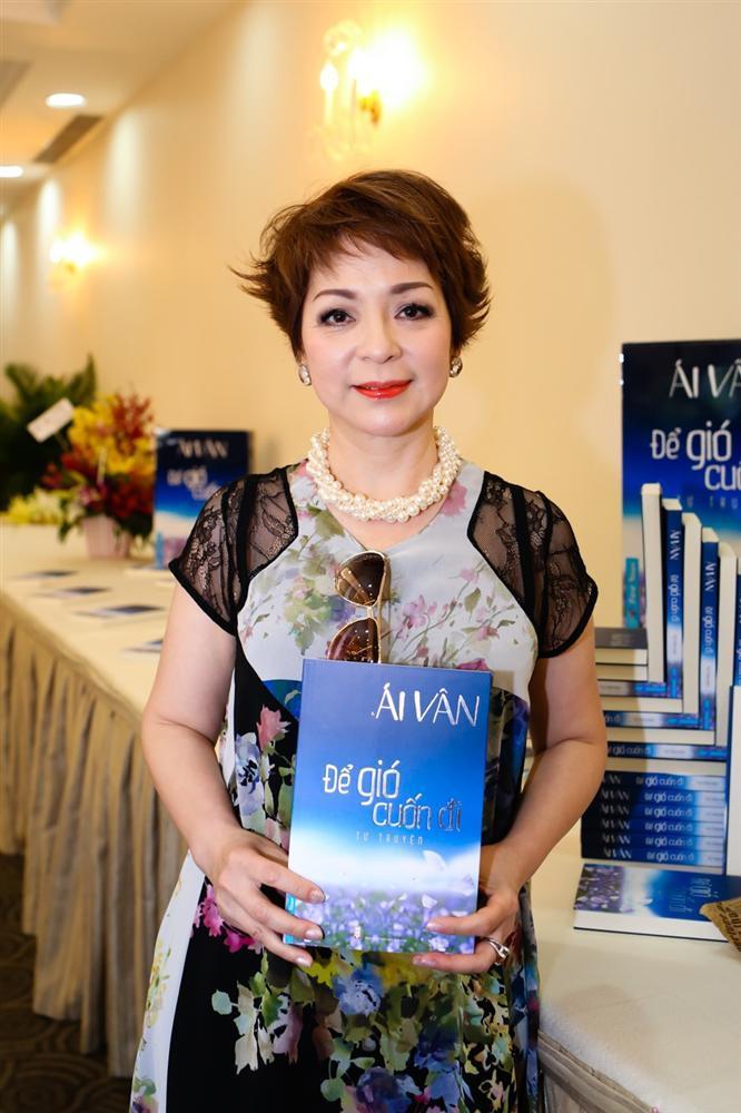 Những nghệ sĩ Việt lạc quan chiến đấu với bệnh ung thư-9