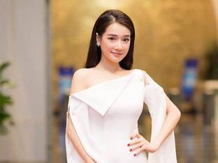 Không còn úp mở, Nhã Phương xác nhận kết hôn với Trường Giang, về chung nhà với danh hài vào tháng 9