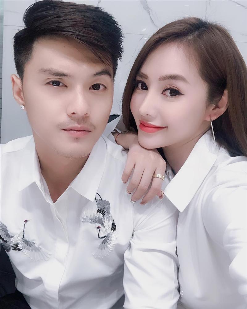 Angela Phương Trinh ra Hà Nội chỉ để ăn bữa trưa ngay trên giường-9