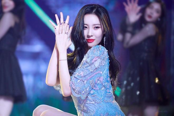 36 tuổi, Song Hye Kyo khoe làn da mịn màng, căng bóng đến gái mới lớn còn phải ghen tị-4