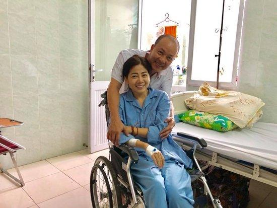 Mai Phương cười tươi lạc quan ở bệnh viện-1