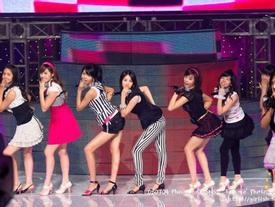 Girlgroup Hàn biến hóa khi cover ca khúc hit của nhau