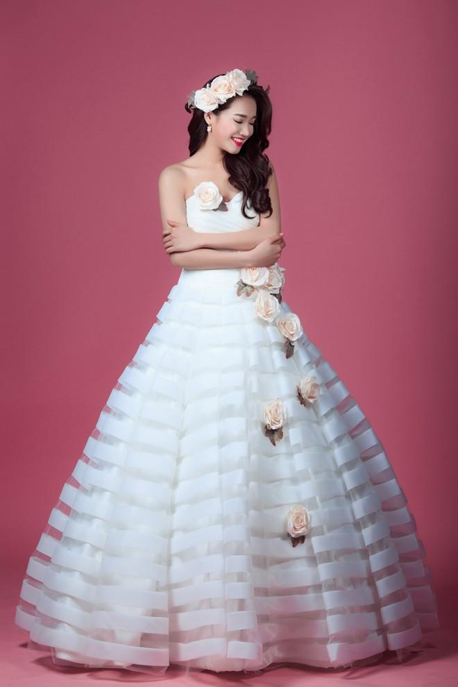 Ngắm Nhã Phương đẹp quên lối về trong những bộ váy cưới trước ngày theo Trường Giang về dinh-5
