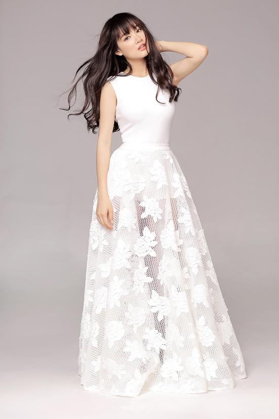 Ngắm Nhã Phương đẹp quên lối về trong những bộ váy cưới trước ngày theo Trường Giang về dinh-7