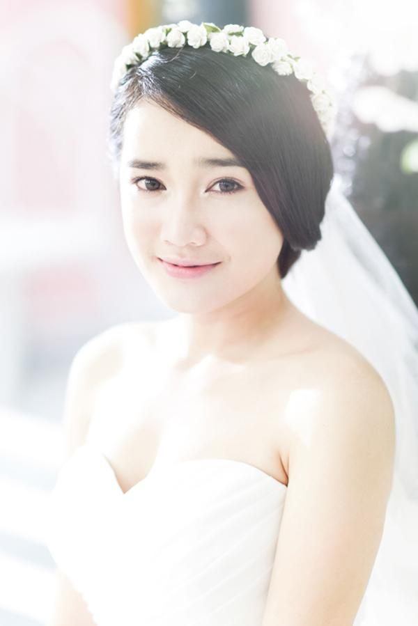 Ngắm Nhã Phương đẹp quên lối về trong những bộ váy cưới trước ngày theo Trường Giang về dinh-8