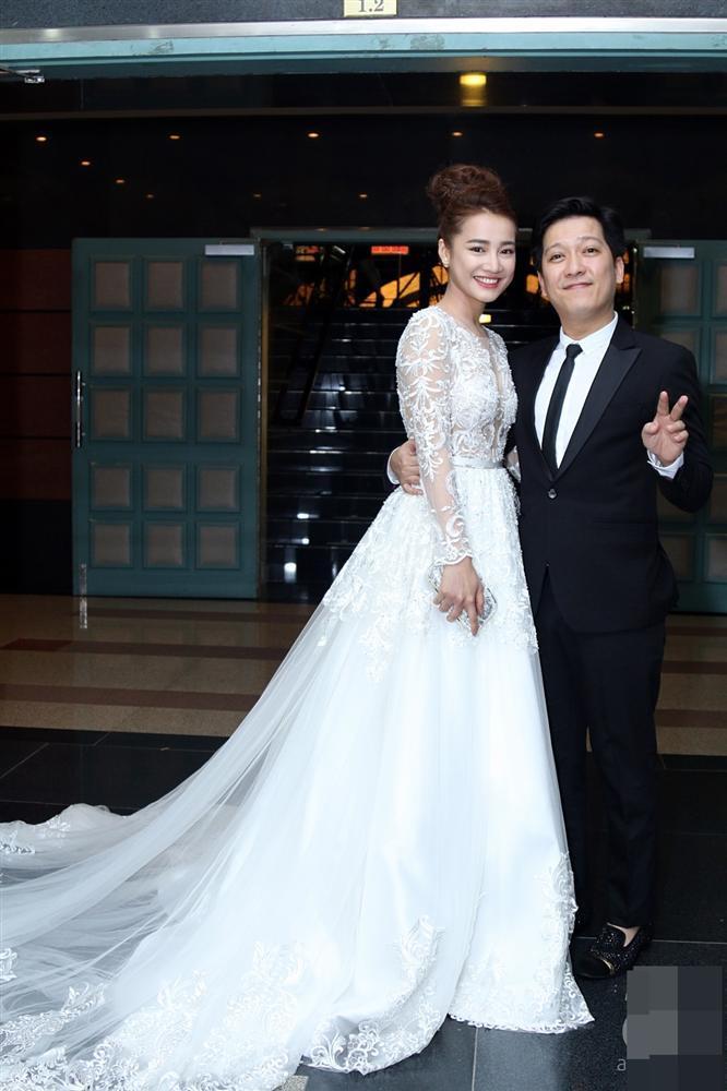 Ngắm Nhã Phương đẹp quên lối về trong những bộ váy cưới trước ngày theo Trường Giang về dinh-6