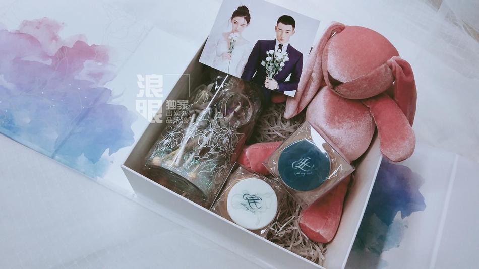 Lý Mạc Sầu Trương Hinh Dư tiết lộ địa điểm, thời gian đám cưới và cả hộp quà tặng khách tinh tế dễ thương-7