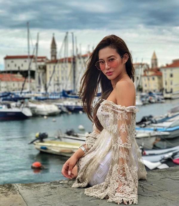 Cuộc sống giàu sang, nổi tiếng của ái nữ tỷ phú Hong Kong-2