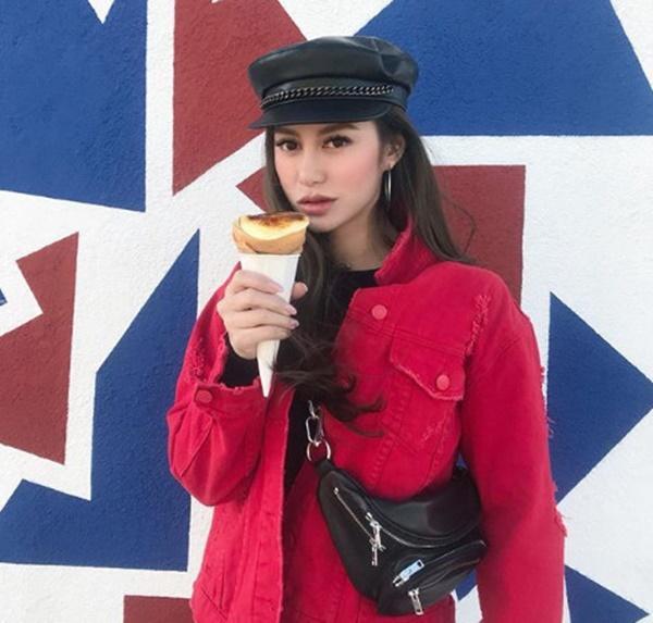 Cuộc sống giàu sang, nổi tiếng của ái nữ tỷ phú Hong Kong-8