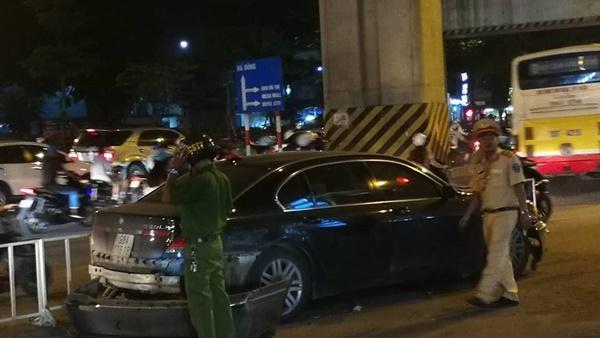 Nữ tài xế lái BMW đâm liên hoàn trên đường Hà Nội-4