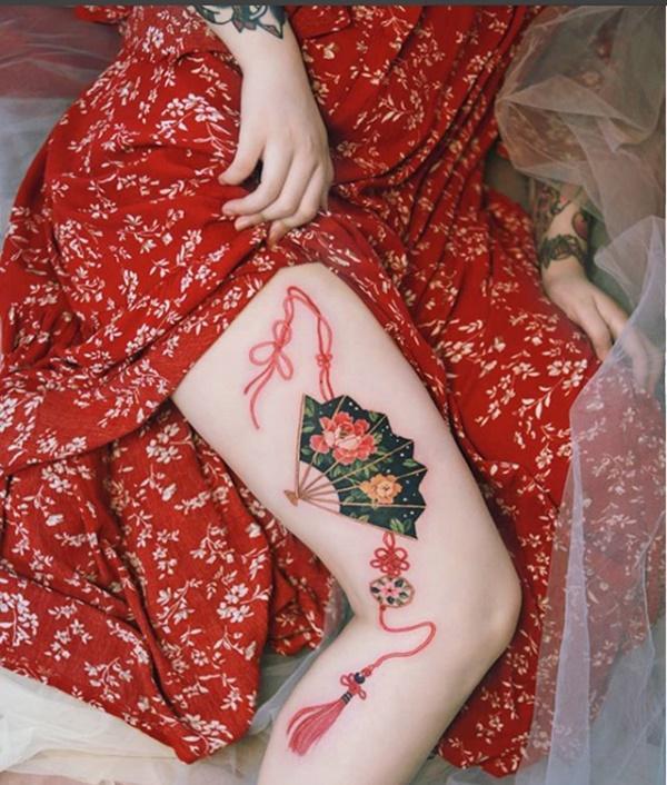 Phụ nữ Hàn đem cả vườn hoa lá lên ngực, đùi, hông...-3