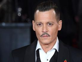 Johnny Depp phủ nhận tấn công nhân viên đoàn phim
