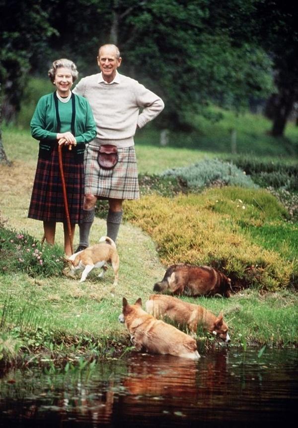 Gia đình Hoàng gia Anh đi nghỉ hè ở đâu?-3