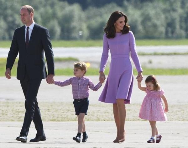 Gia đình Hoàng gia Anh đi nghỉ hè ở đâu?-5
