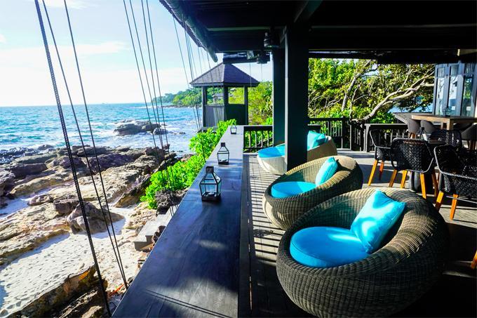 Chẳng phải đi đâu xa, Việt Nam cũng có bar bãi biển lãng mạn như ở trời Tây-4