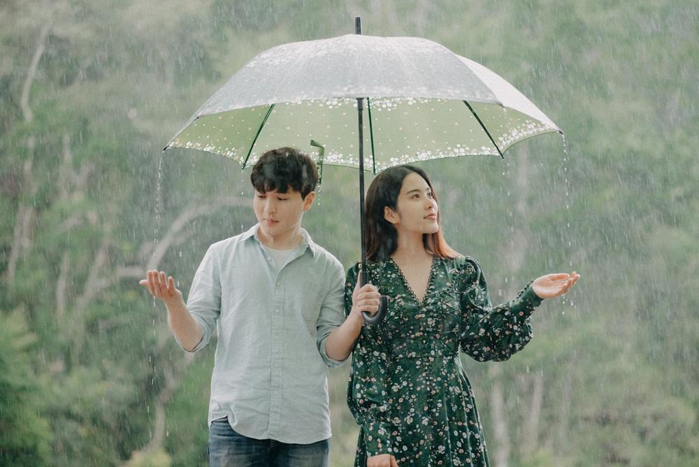 Chỉ 2 ngày sau khi Trường Giang xác nhận lấy Nhã Phương, Nam Em tung bản full MV Đau vì yêu-3