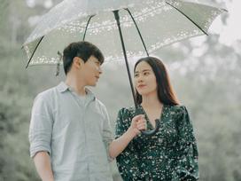 Chỉ 2 ngày sau khi Trường Giang xác nhận lấy Nhã Phương, Nam Em tung bản full MV 'Đau vì yêu'