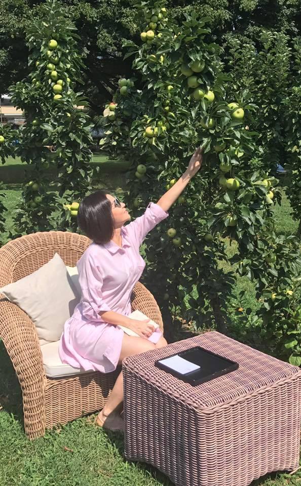 Tận hưởng cuộc sống bà hoàng ở trời tây, Thu Minh kêu trời vì tăng cân mất kiểm soát-15