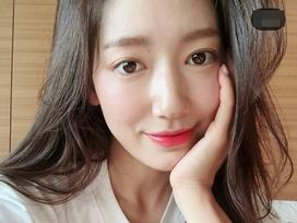 'Người thừa kế' Park Shin Hye thu hút sự chú ý nhờ vẻ đẹp ngọt ngào