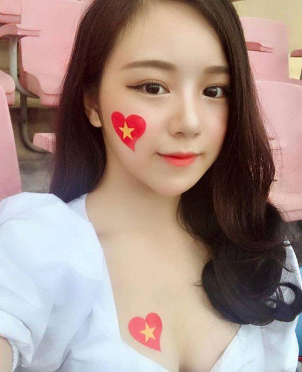 Báo Hàn phát cuồng trước vẻ đẹp nóng bỏng của 'hot girl ngủ gật' sau kỳ tích U23 Việt Nam-3