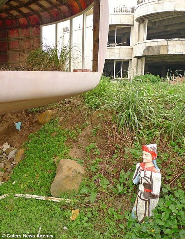 Khu nghỉ dưỡng cao cấp đóng cửa chỉ sau 2 năm khởi công vì hàng loạt cái chết bí ẩn-10