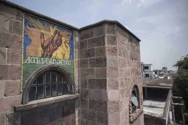 Lời nguyền bí ẩn về khách sạn ma ám bỏ hoang 50 năm giữa phố cổ-2