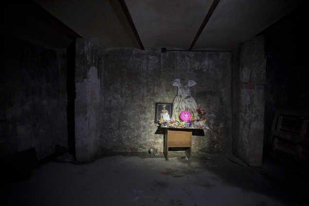 Lời nguyền bí ẩn về khách sạn ma ám bỏ hoang 50 năm giữa phố cổ-5