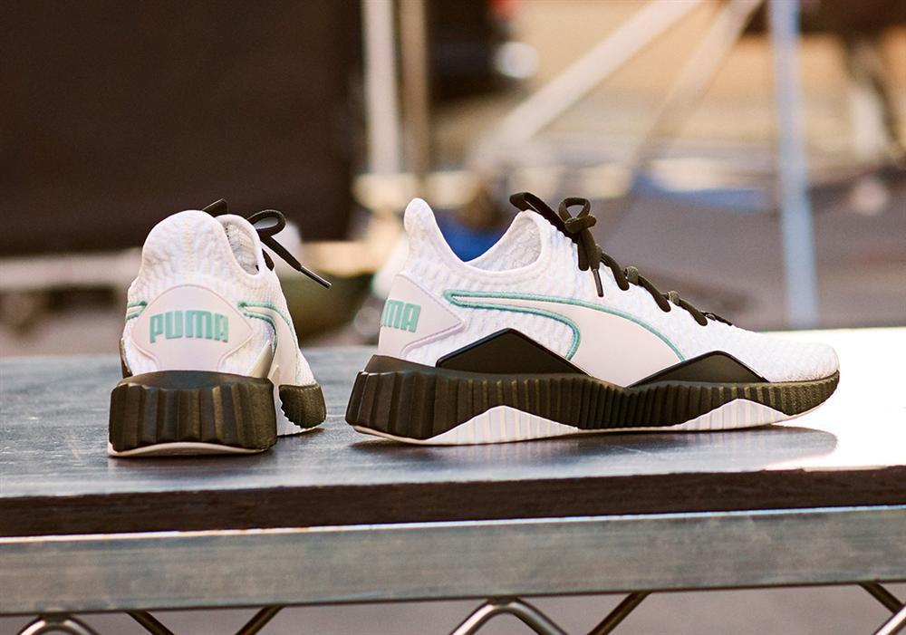 Mua liền một lúc 7 đôi giày sneakers hàng hiệu nhưng Ngọc Trinh đọc tên hãng thì sai be bét-1