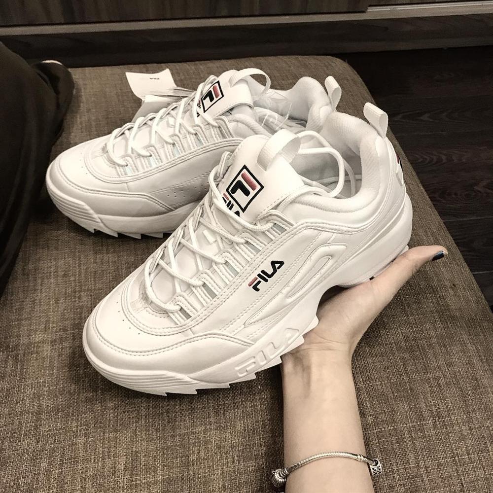 Mua liền một lúc 7 đôi giày sneakers hàng hiệu nhưng Ngọc Trinh đọc tên hãng thì sai be bét-2