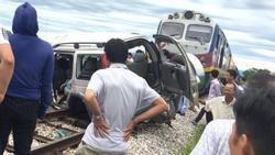Vụ tàu hỏa tông 4 người thương vong: Tài xế ô tô 7 chỗ tiên lượng rất nguy kịch