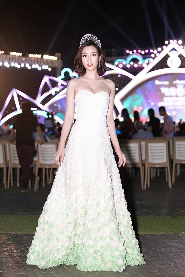 Hoa hậu Đỗ Mỹ Linh bất ngờ rũ bỏ mái tóc dài thay bằng mái tóc ngắn cá tính, đáng yêu hết cỡ-1