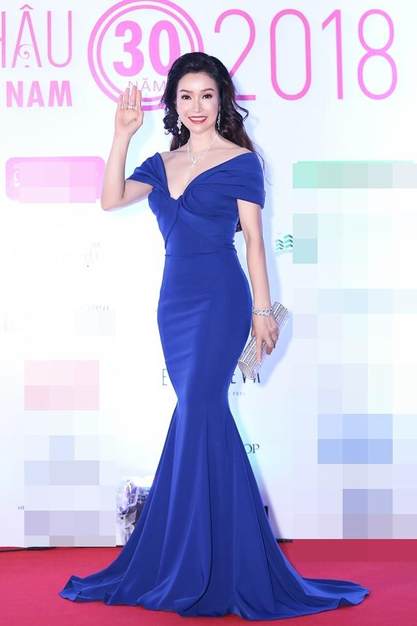Hoa hậu Đỗ Mỹ Linh bất ngờ rũ bỏ mái tóc dài thay bằng mái tóc ngắn cá tính, đáng yêu hết cỡ-6