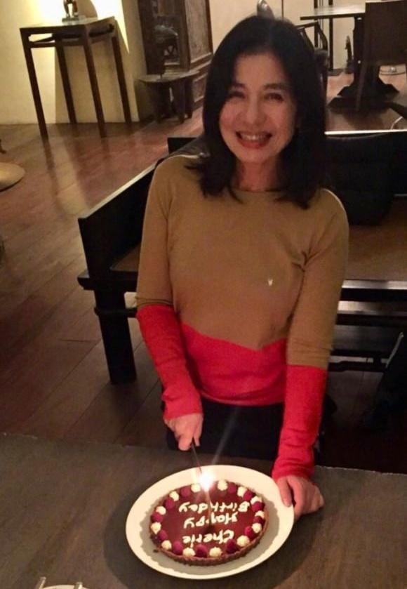 Đệ nhất mỹ nhân Hong Kong mất ngôi Hoa hậu vì vồ ếch, kiên quyết không sinh con, trầm cảm khi chồng mất-10