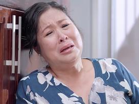 'Gạo nếp gạo tẻ' tập 49: Ghê gớm thế mà bà Mai cũng òa khóc vì suốt ngày 'sấp mặt' lo nội trợ