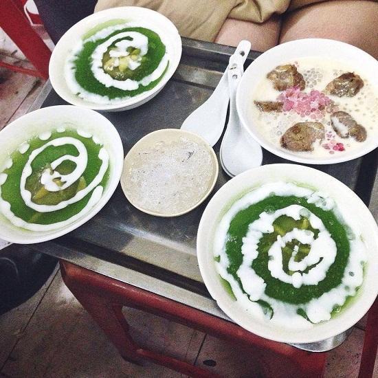 6 quán chè nóng thơm ngon sưởi ấm lòng nổi tiếng ở Hà Nội ngày mưa-4
