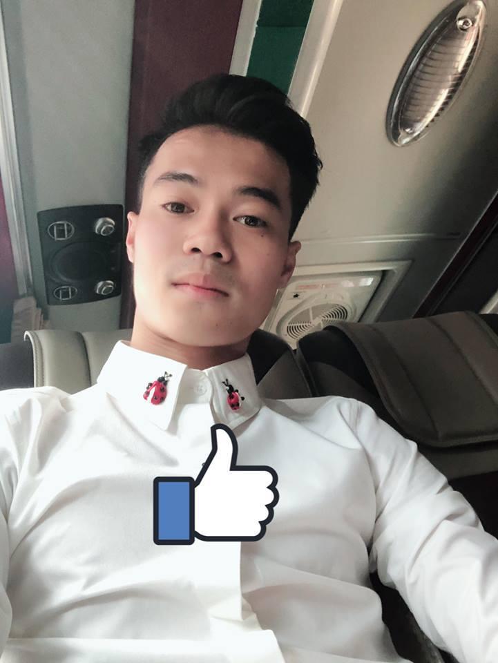 Ngoài mái tóc chất nhất U23 Việt Nam, soái ca Văn Toàn sở hữu gu thời trang cực bảnh-2
