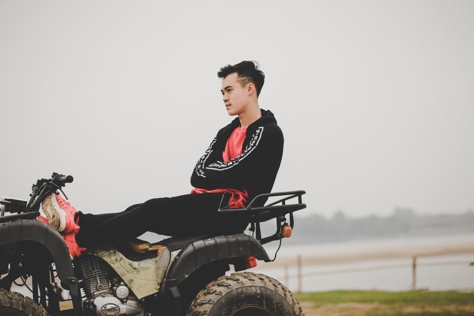 Ngoài mái tóc chất nhất U23 Việt Nam, soái ca Văn Toàn sở hữu gu thời trang cực bảnh-5