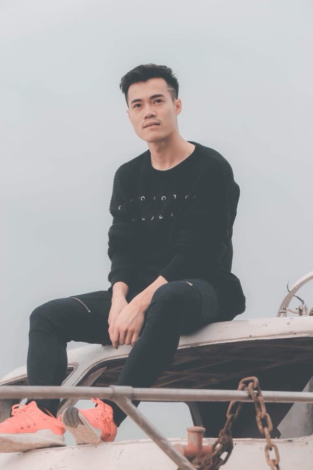Ngoài mái tóc chất nhất U23 Việt Nam, soái ca Văn Toàn sở hữu gu thời trang cực bảnh-6