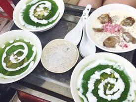 6 quán chè nóng thơm ngon sưởi ấm lòng nổi tiếng ở Hà Nội ngày mưa