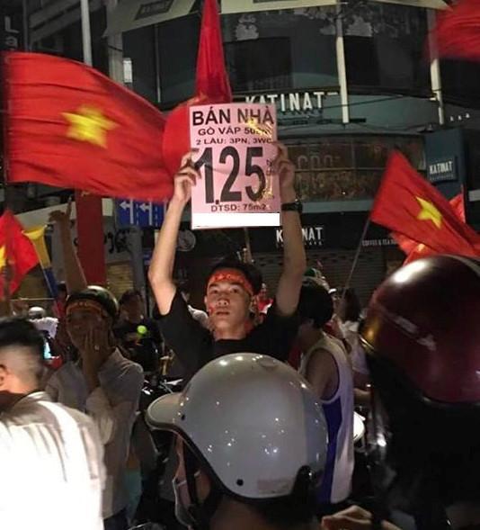 1.001 cách cổ động viên ăn mừng chiến thắng của Olympic Việt Nam-5
