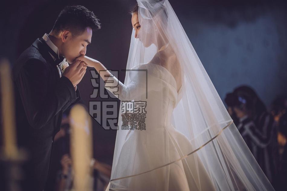 Video ghi lại trọn vẹn hôn lễ đẹp như giấc mơ của Trương Hinh Dư với quân nhân trẻ tuổi-1