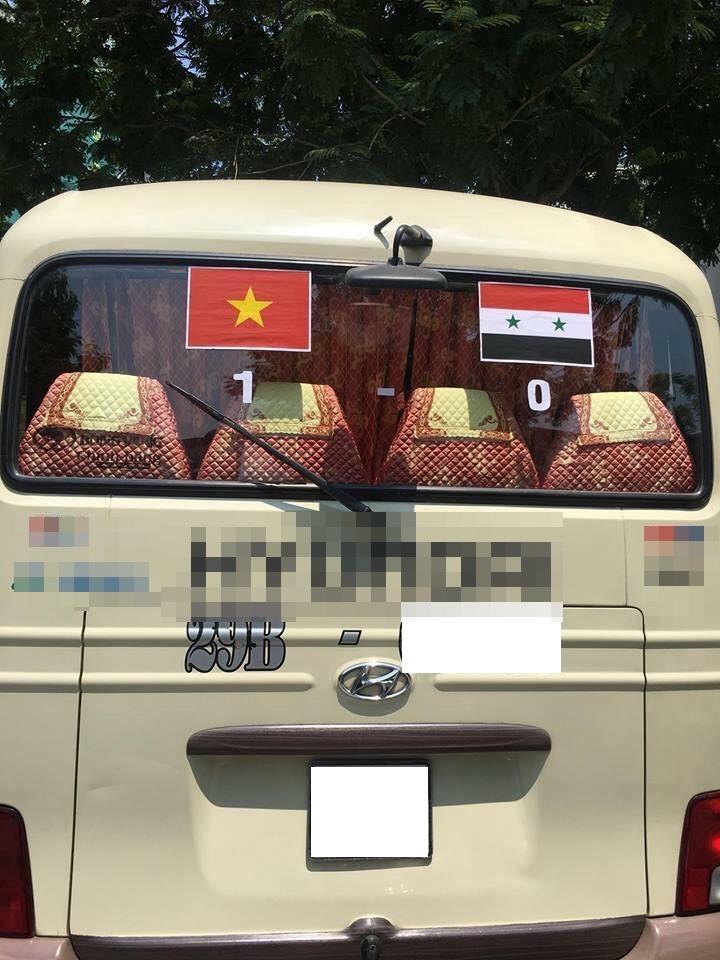 1.001 cách cổ động viên ăn mừng chiến thắng của Olympic Việt Nam-2