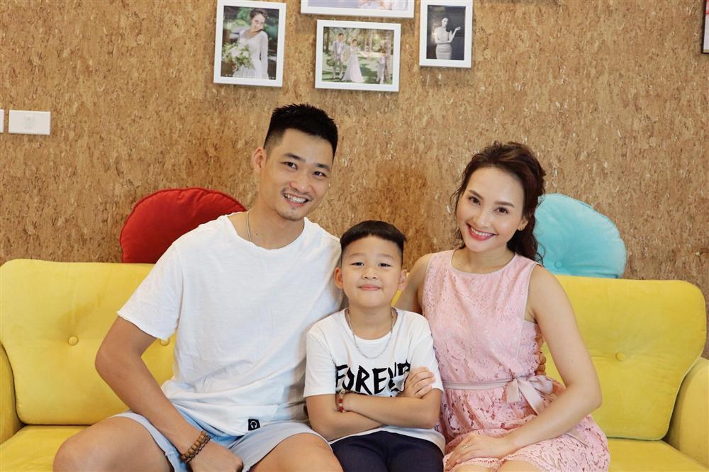 Lan Khuê liên tục đổi tên con vì quá yêu cầu thủ tuyển bóng đá Việt Nam-2
